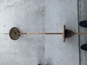 90lb straight bar 40$ for Sale in Fowler, CA