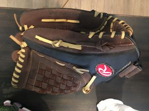 "Baseball glove 12.5"" for Sale in Whittier, CA"