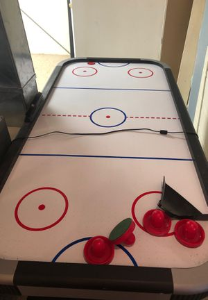 Air hockey table for Sale in Wickliffe, OH
