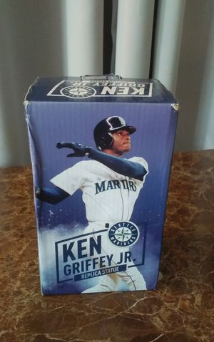 Collectible Ken Griffey Jr. statue for Sale in Kent, WA