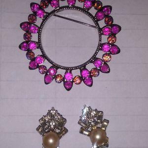 Antique Brooch And Earrings for Sale in Spokane Valley, WA