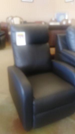 Chair for Sale in Phoenix, AZ