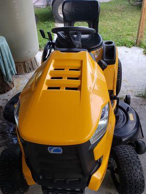 Cub Cadet XT1 46inch Lawn mower for Sale in Wesley Chapel, FL