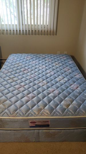 Imperial king size mattress and box. for Sale in Peoria, IL