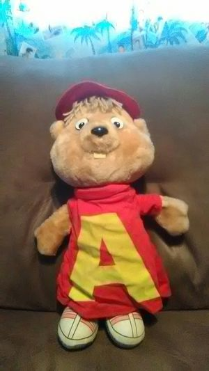 Vintage 1983 18 inch pull string talking Alvin chipmunk plush doll for Sale in District Heights, MD