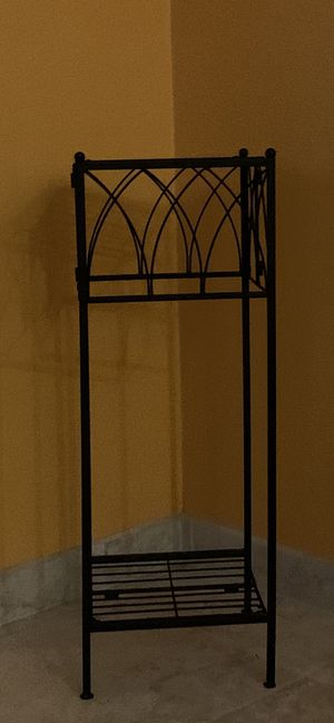 2-Tier Wrought Iron Plant Stand/End Table for Sale in Mill Creek, WA