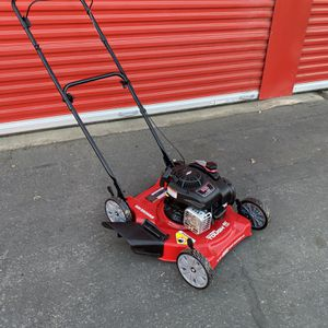 Hyper Tough 20in Push Mower ( Hablamos Espanol Tambien) for Sale in Bakersfield, CA