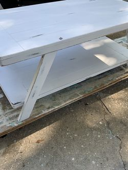 Two-tier Coastal coffee table for Sale in Palm Harbor,  FL