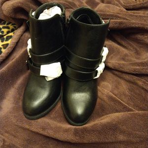 Woman's Boots for Sale in Pekin, IL