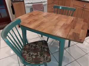 Dining table and 4 chairs with cusions for Sale in Boynton Beach, FL