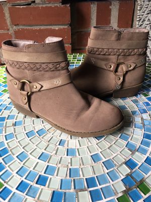 Brown Boots- Girls 3 for Sale in Eustis, FL