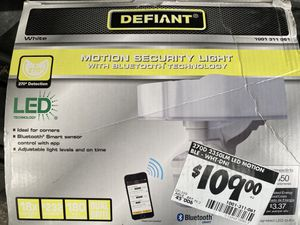 Defiant Floodlight with wifi for Sale in Burke, VA