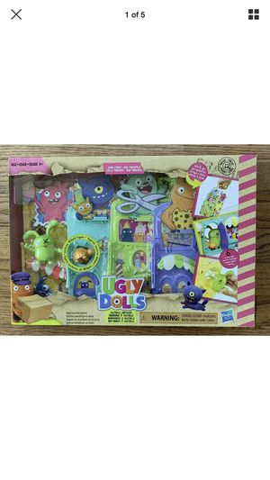 Ugly dolls Uglyville Unfolded Main Street Playset for Sale in Sioux Falls, SD