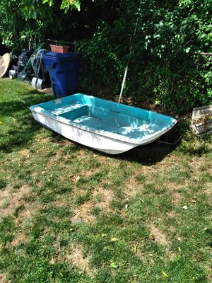 Small Tri- Hull Boat for Sale in Norwalk, CT