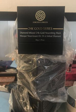 Forever flawlesss , 24k golf series ,face mask . for Sale in Canoga Park, CA