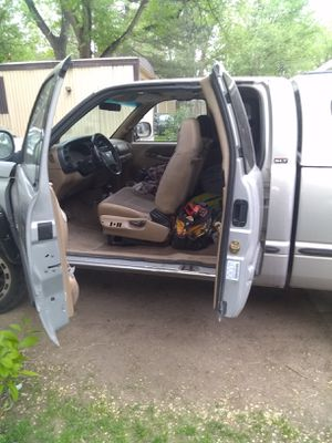 1998 Dodge Ram 4 by 4 with camper for Sale in Colorado Springs, CO
