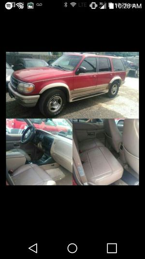 1998 Ford Explorer XLT runs good for Sale in Silver Spring, MD