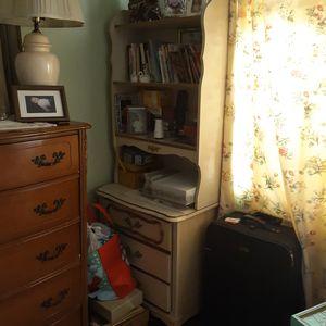 Dresser bookshelve for Sale in Riverside, CA