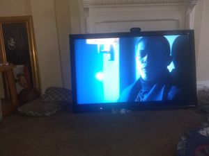 Ingsinga 60 inch TV text me if they can't afford less $200 or 180 or $160 for Sale in Baltimore, MD
