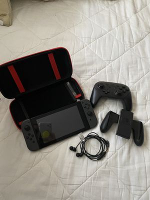 Nintendo Switch with Accessories for Sale in Coral Gables, FL