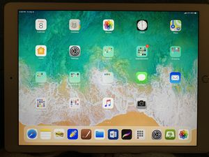 iPad Pro Gold 512 gb WiFi-cellular 12.9 for Sale in Reedley, CA