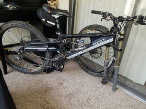 Downhill Mountian bike for Sale in Centennial, CO