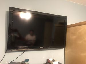 Toshiba 32 inch tv for Sale in Los Angeles, CA