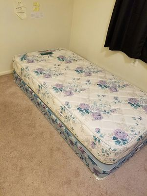 Twin bed mattress with matching box spring for Sale in Leesburg, VA