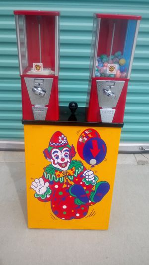 Coin machine and balloon pump for Sale in Homeland, CA