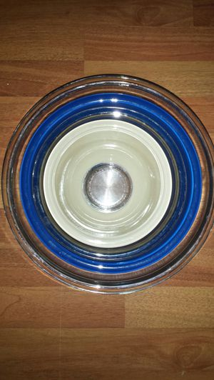 Pyrex clear bottom nesting bowls for Sale in Indianapolis, IN