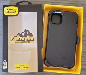 iPhone 11 Pro Max Otterbox Defender Series Case with belt clip holster for Sale in Canyon Country, CA