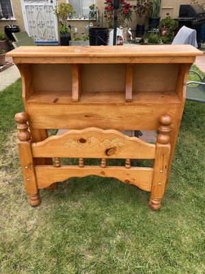Real wood twin Headboard and footboard only Pura Madera cabeceras para cama individual for Sale in Los Angeles, CA