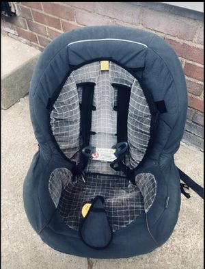 Nice car seat 💺 for Sale in Parma, OH