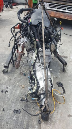 6.0 engine complete with wire harness transmission burn out for Sale in Stanton, CA