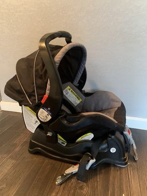 Baby Trend Infant Car Seat with Car Base for Sale in Irving, TX