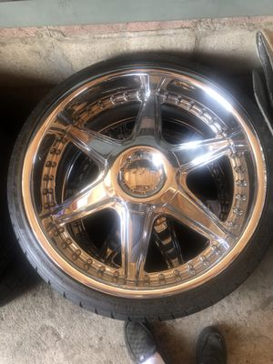 "22"" chrome rims 5 lug for Sale in National City, CA"