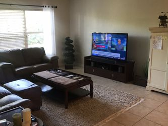 Living Room Set w/ 55 Inch Samsung TV for Sale in Tampa,  FL