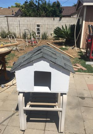 Dog house for Sale in Cerritos, CA