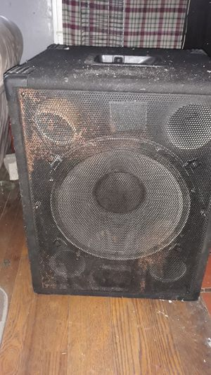 Klipsch professional 1000 wat hall speaker 15 inch sub for Sale in Detroit, MI