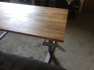 Adjustable standing/sitting desk for Sale in Los Angeles, CA