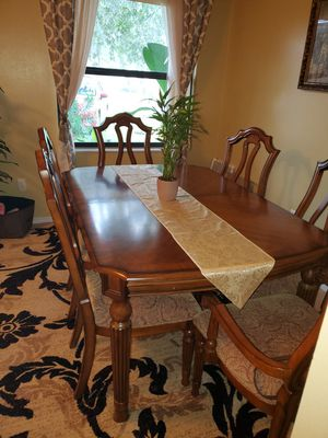 Dining roon table and chairs for Sale in Casselberry, FL