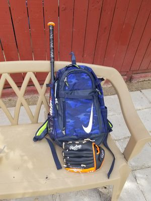 Baseball backpack with glove and 27inch bat for Sale in Compton, CA