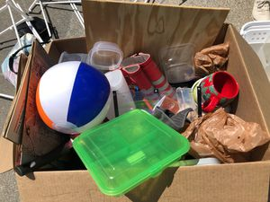 Miscellaneous Kitchen Items (FREE) for Sale in Worcester, MA