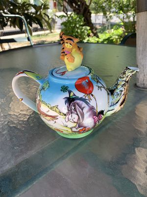 Disney Showcase Limited Paul Cardew Winnie the Pooh's Birthday Party Teapot for Sale in Modesto, CA