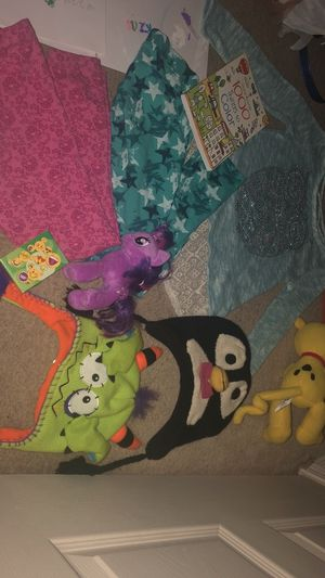 Kids Girls Huge LOT Kids Items -KIDS beanies, clothes, toys, books, etc! for Sale in Colorado Springs, CO