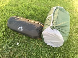 REI Grand Hut 6 Tent and Exped Queen Size Mega Mat Duo Package for Sale in Los Angeles, CA