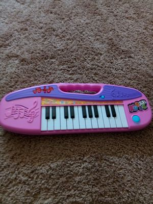 Kids toy/ plays music for Sale in Oxon Hill, MD