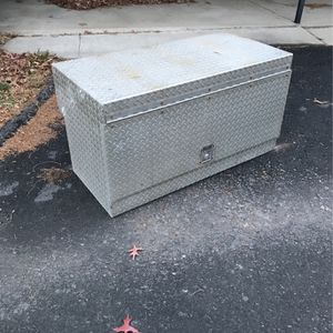 Tractor Trailer Tool Box for Sale in Winfield, PA