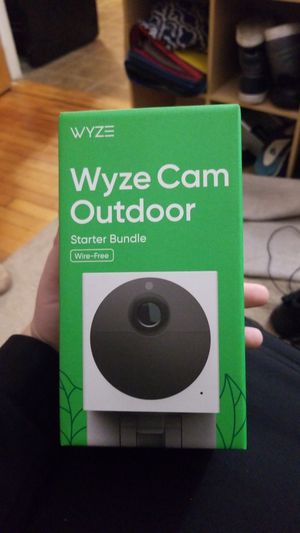 Wyze cam outdoor starter bundle wire free for Sale in Manchester, NH