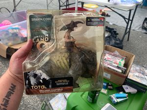 MCFARLANE'S MONSTERS ( TOTO ) TWISTED LAND OF OZ - ACTION FIGURE 2003 - NEW for Sale in Dundalk, MD
